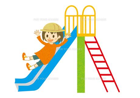 滑り台を滑る子供の素材 [FYI00125971]