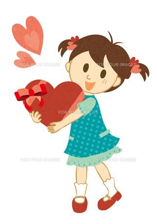 ハートを抱く女の子 FYI00125994