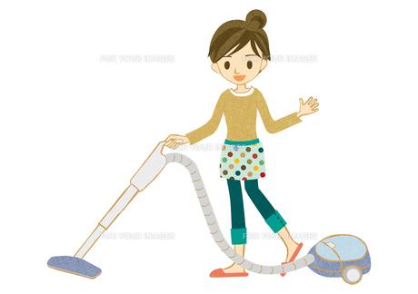 掃除機をかける主婦 FYI00126011