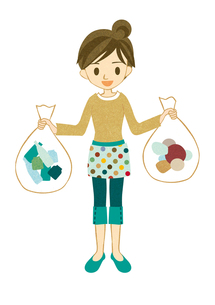 ゴミを分別する主婦 FYI00126024