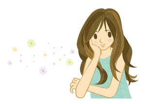 ほおづえをついて微笑む若い女性 FYI00126031