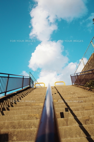空へ向かう階段 FYI00128458