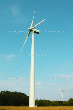 風力発電の風車 FYI00128481