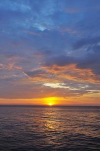 シミラン諸島の夕日 FYI00133349