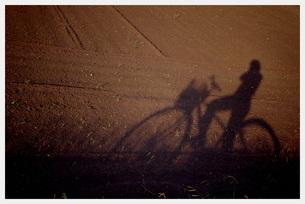 自転車に乗って FYI00137693