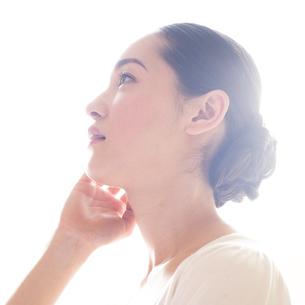 若い日本人女性のビューティーイメージ FYI00143129