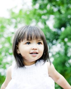 笑顔の可愛いハーフの少女 FYI00143183