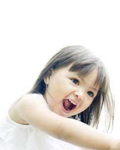 笑顔の可愛いハーフの少女 FYI00143201