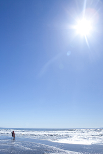 太陽とサーファー FYI00148477