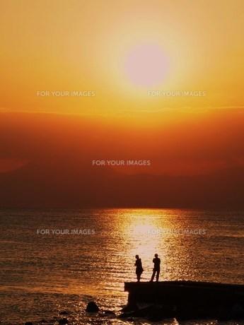 夕日と海 FYI00152883