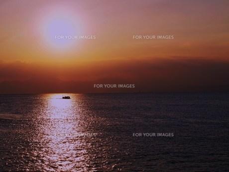 夕日の海 FYI00152933