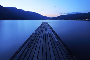 美しい木崎湖 FYI00154075