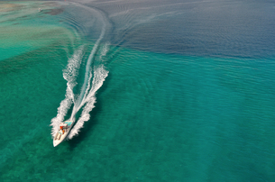 ボート 白い波 FYI00169842