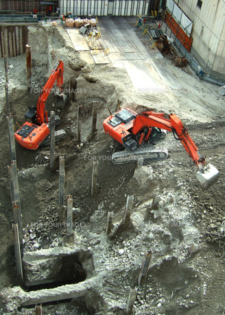 建設工事のショベルカー FYI00180419