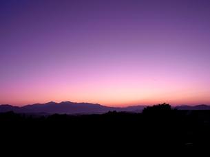 山の朝焼け FYI00181134