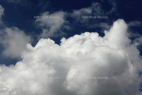 届きそうな雲 FYI00185548