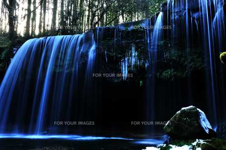 冬の滝 FYI00190778