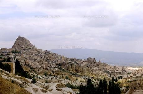 トルコ カッパドキア 岩山と家 FYI00192898