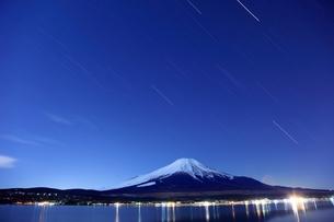 富士山と流星群 FYI00198698