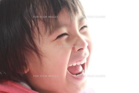 笑顔の子供 FYI00203163
