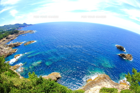 水平線と岩礁 FYI00222036