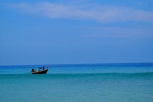 海に浮かぶ舟 FYI00222854