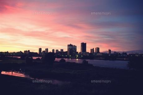 荒川の夕焼け FYI00226171