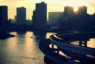 東京湾とループ橋 FYI00226185
