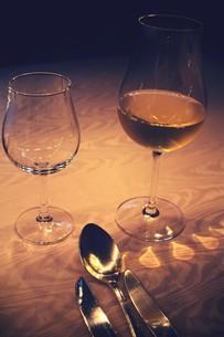 ワインのあるテーブル FYI00226194