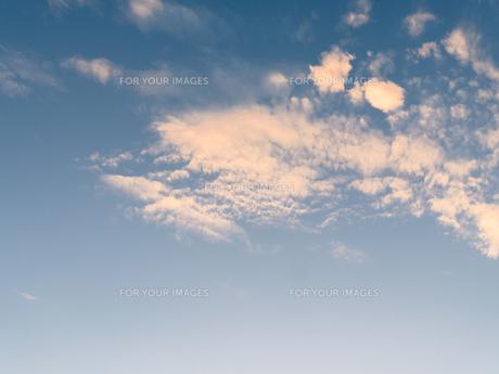 夕日に染まる雲 FYI00238981