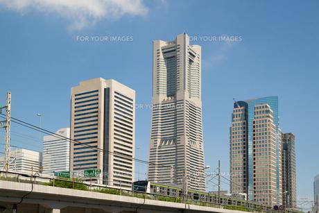 ランドマークタワーと横浜線 Fyi00240644 気軽に使える写真