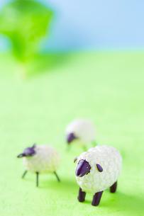 羊の親子の置物 FYI00264778