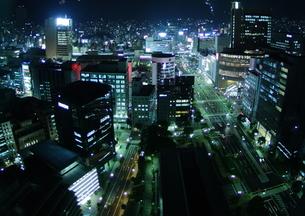 ビル群の夜景 FYI00266052