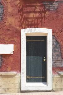 壁とドア FYI00310821