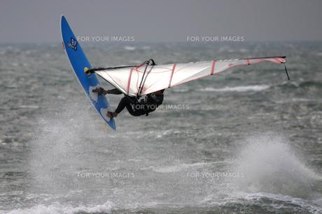 ウィンドサーフィン ジャンプ FYI00310899
