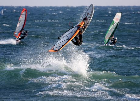 ウィンドサーフィン ジャンプ FYI00310914