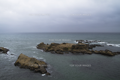 水平線と島 FYI00311380