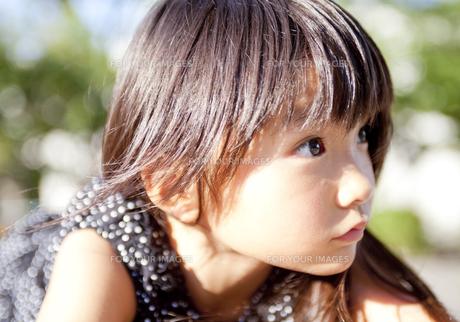 輝く瞳の女の子 FYI00318342