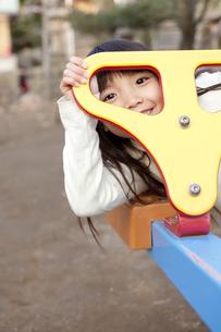 放課後に遊ぶ女の子 FYI00318548