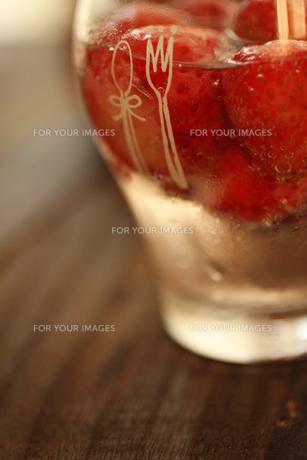 苺のお酒 FYI00321691