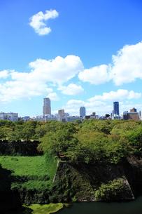 大阪城から望むビジネス街 FYI00322067