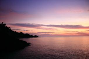 隠岐の島浄土ヶ浦の朝焼け FYI00322173