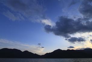 中禅寺湖の夕暮れ FYI00322934