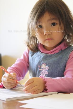 女の子 FYI00322946
