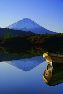 ボートと富士山 FYI00324366