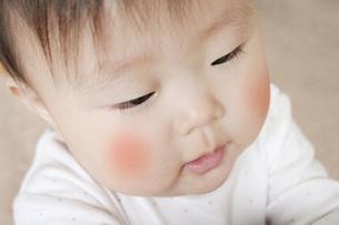 頬の赤い子供 FYI00325135