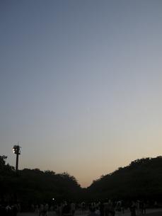 夕方と夜の間の空 FYI00332287