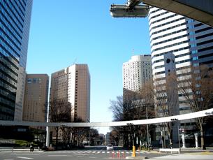 新宿の街並みと青空 FYI00332295