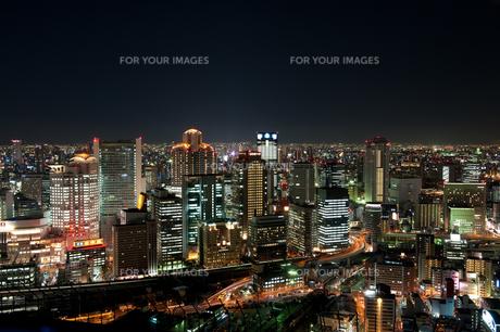 大阪梅田・空中庭園展望台からの夜景 FYI00333945