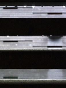 石の美術館 雨 FYI00335591